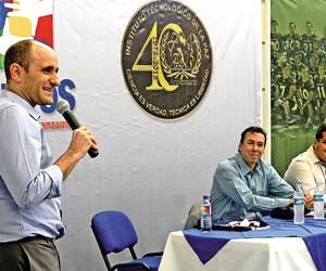 Alberto Lati dio conferencia magistral por el 40 Aniversario del Tec La Paz